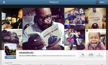 Sur Instagram, ce sont des photos personnelles de Dieudonné qui y sont proposées. De l'humour aussi.