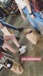 Photo de nos adorées clientes lors du vide-dressing - 16.07.2017, Bienne